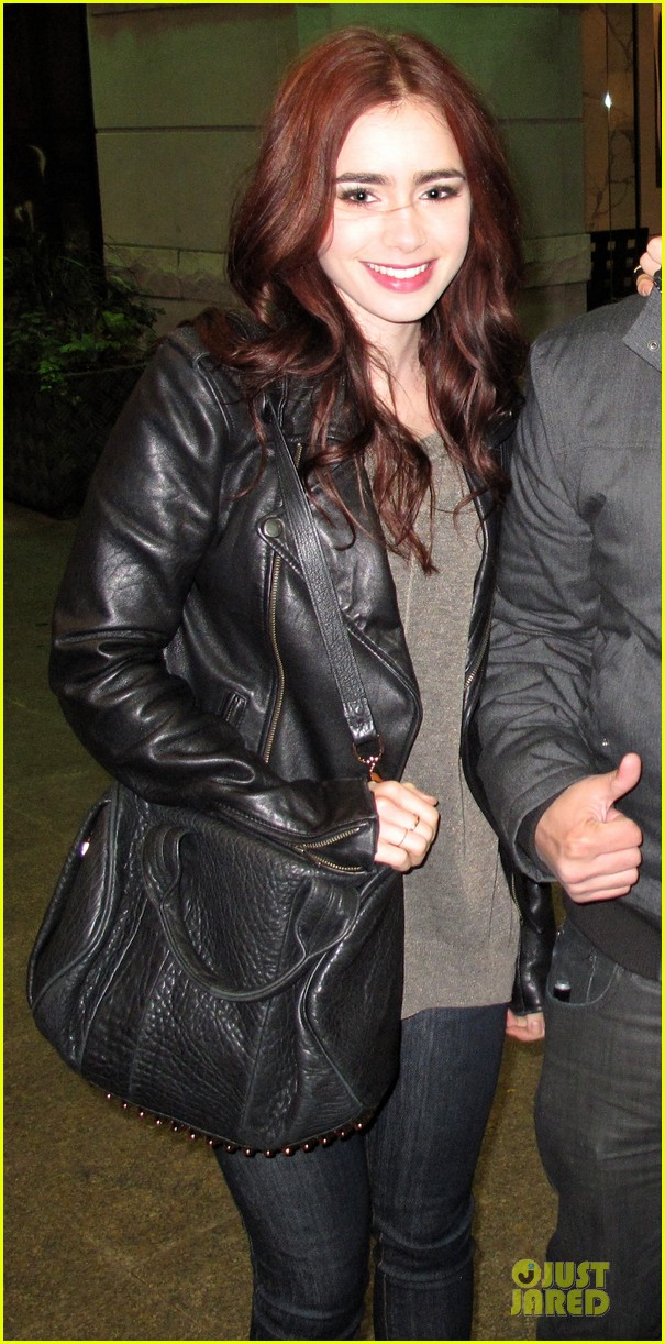 lily collins jamie campbell bower mortal instruments wrap party 01