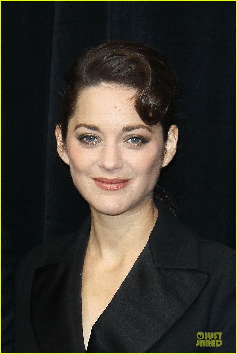 marion cotillard christmas illuminations launch 16