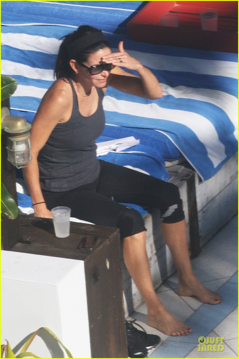 courteney cox miami bikini mama 21