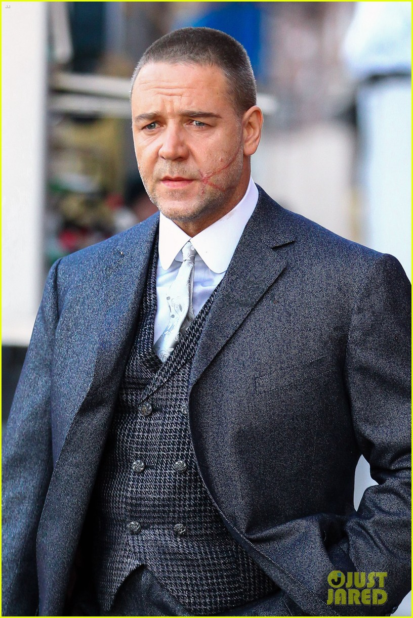 russell crowe facial scar for winters tale 05