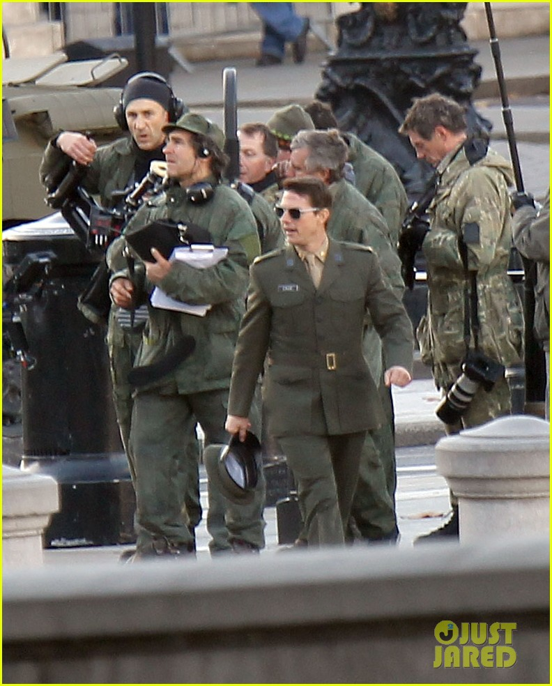 tom cruise military attire for all you need is kill 16