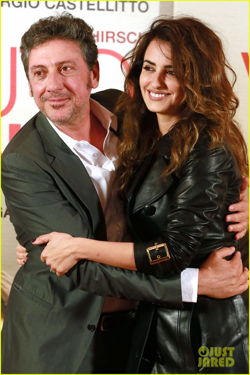 penelope cruz twice born rome photo call 13
