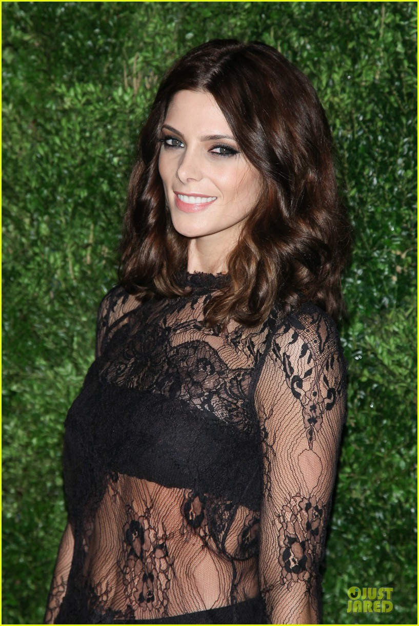 ashley greene dakota fanning cfda vogue fashion fund awards 10
