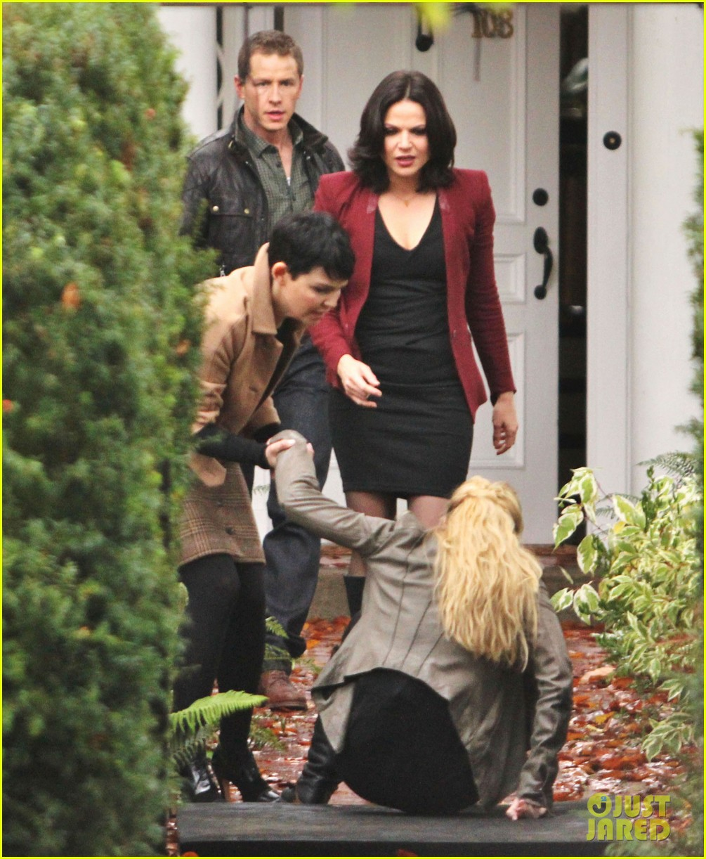 josh dallas protects ginnifer goodwin on once upon a time set 03