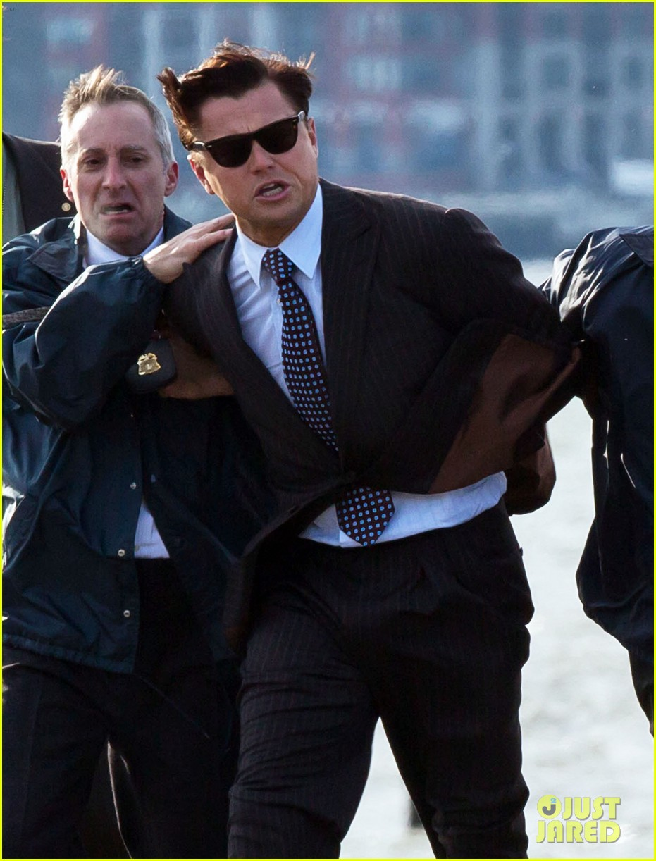 leonardo dicaprio arrested on wolf of wall street set 052765441