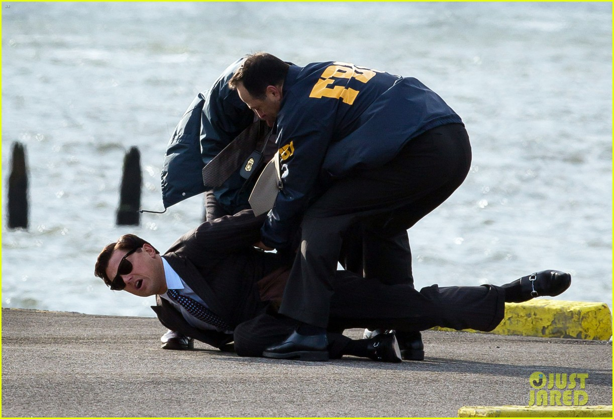 leonardo dicaprio arrested on wolf of wall street set 212765457