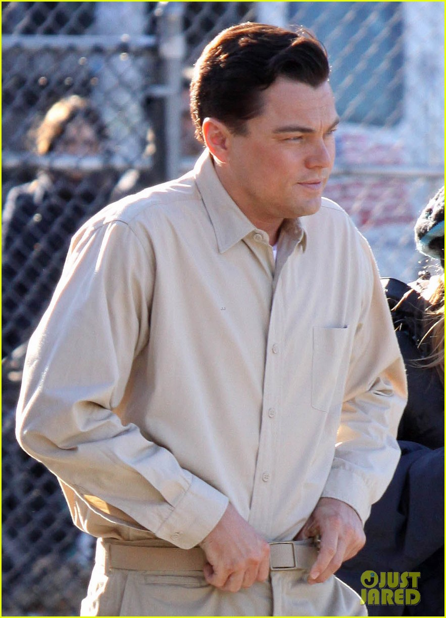 leonardo dicaprio handcuffed inmate on set 022757642