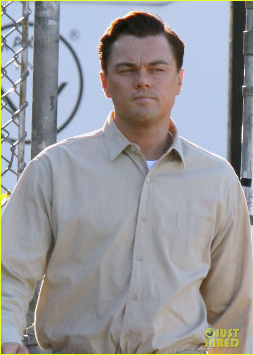 leonardo dicaprio handcuffed inmate on set 04