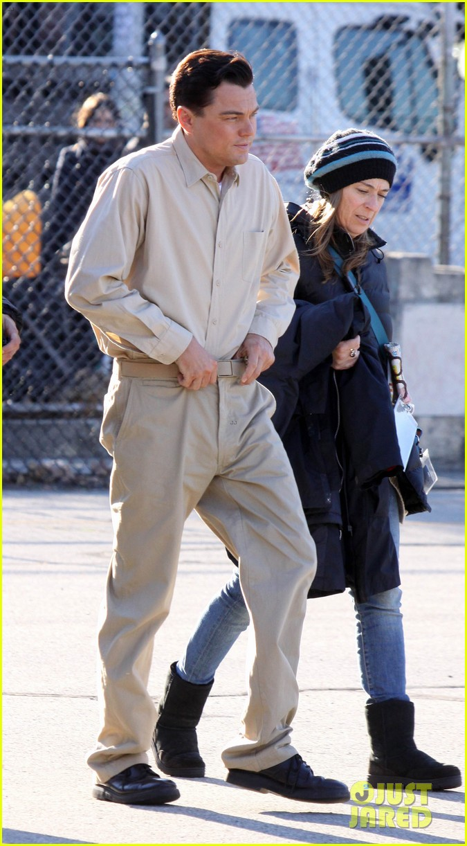 leonardo dicaprio handcuffed inmate on set 05