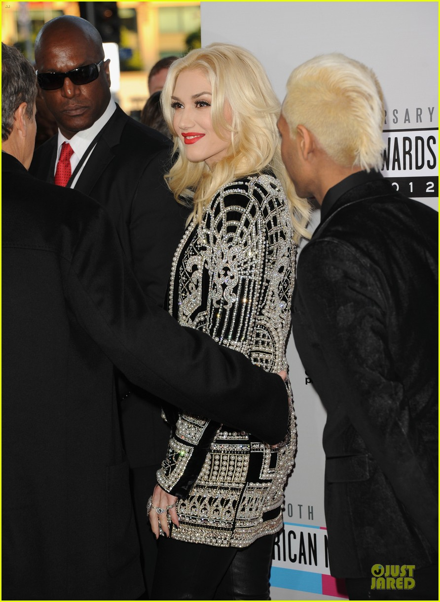 no doubt looking hot amas performance 12