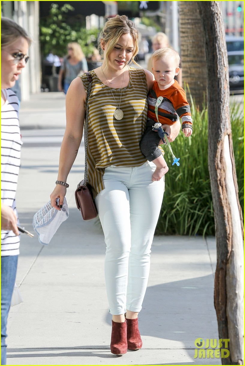 hilary duff baby luca is crawling photo 2749233