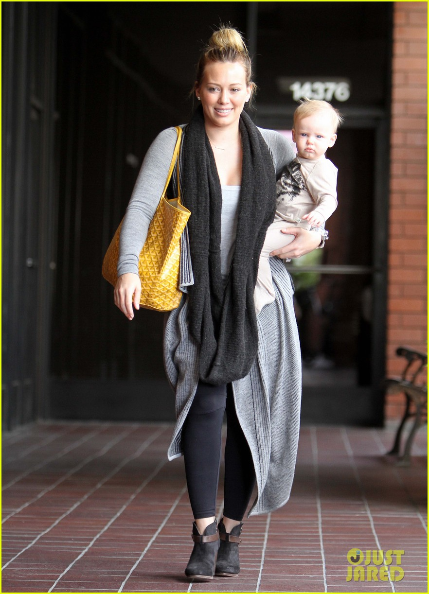 hilary duff harley pasternak fitness mom 01