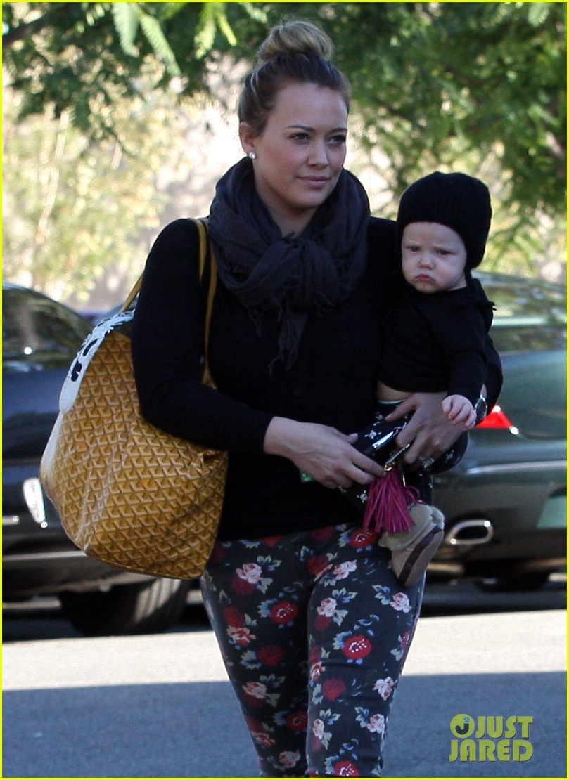 hilary duff bristol farms shopping with luca 21