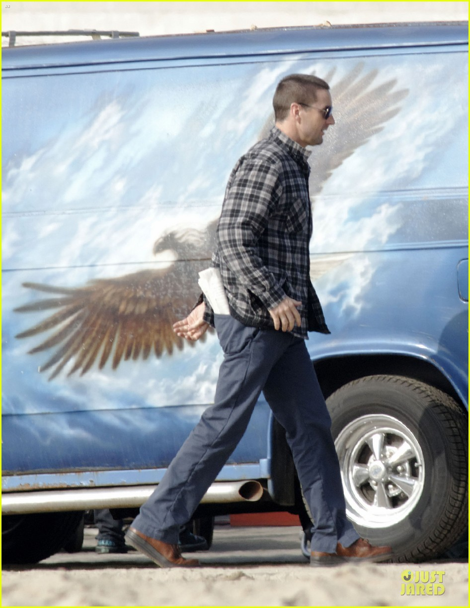 chris evans football on a many splintered thing set 11