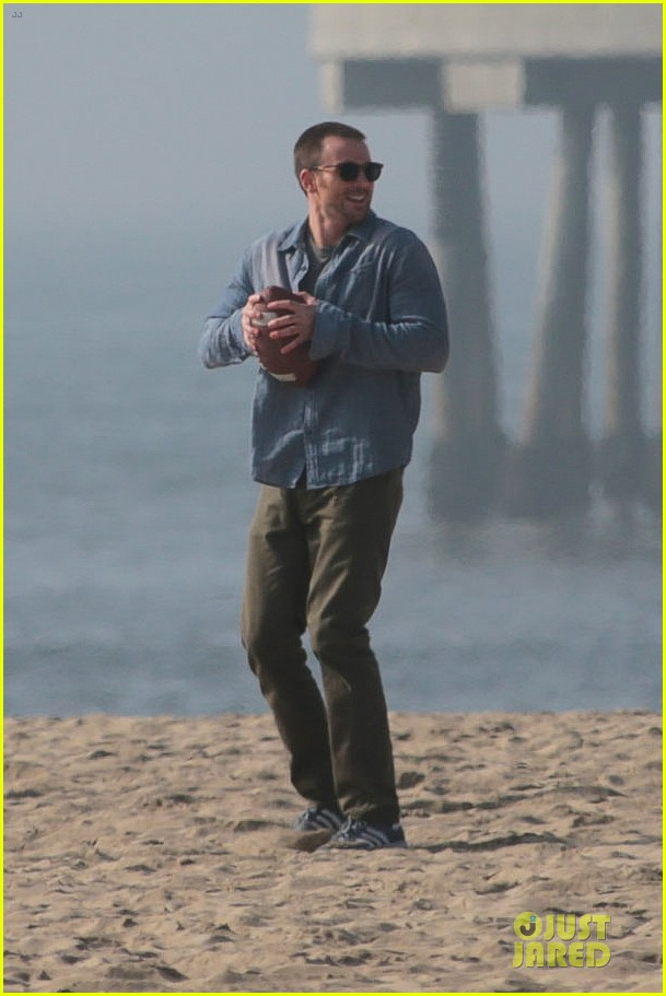 chris evans football on a many splintered thing set 152763932
