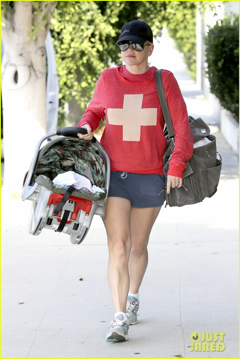 anna faris baby jack check up 12