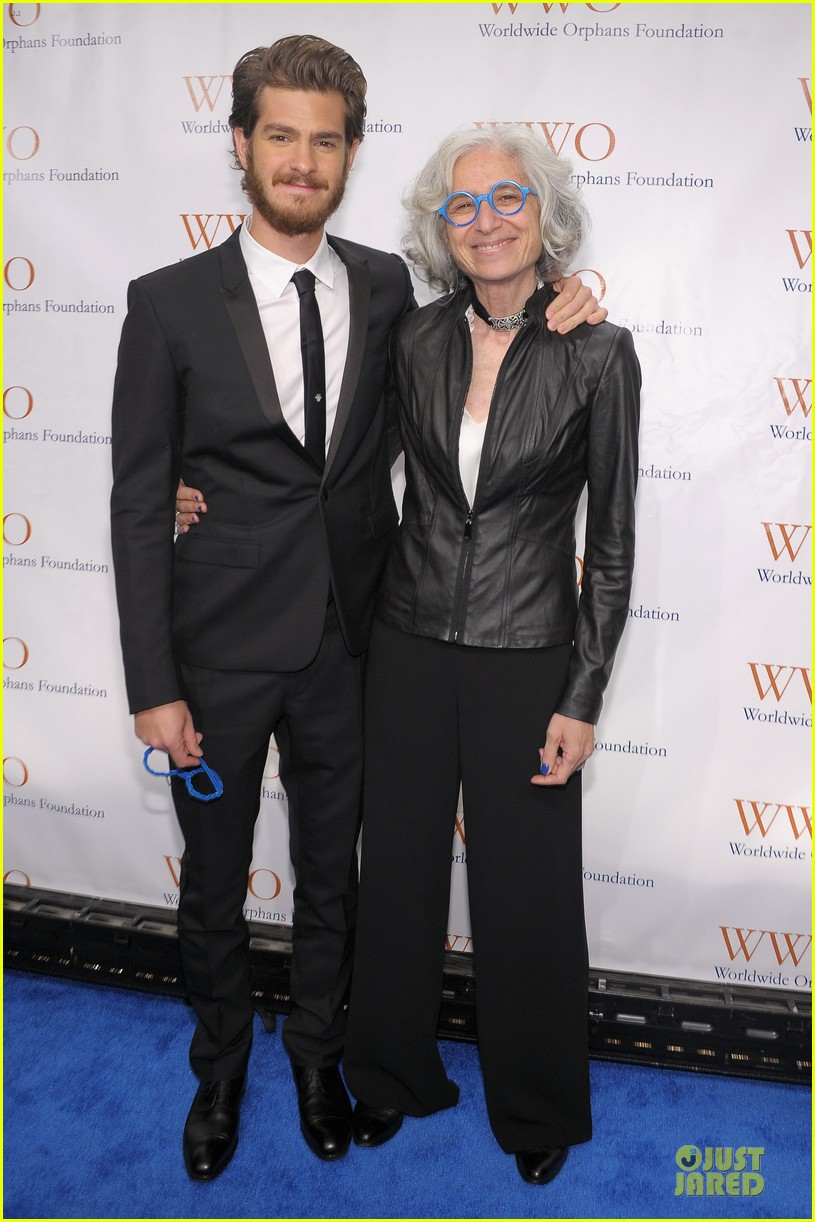 andrew garfield amy poehler orphan benefit gala 012757074