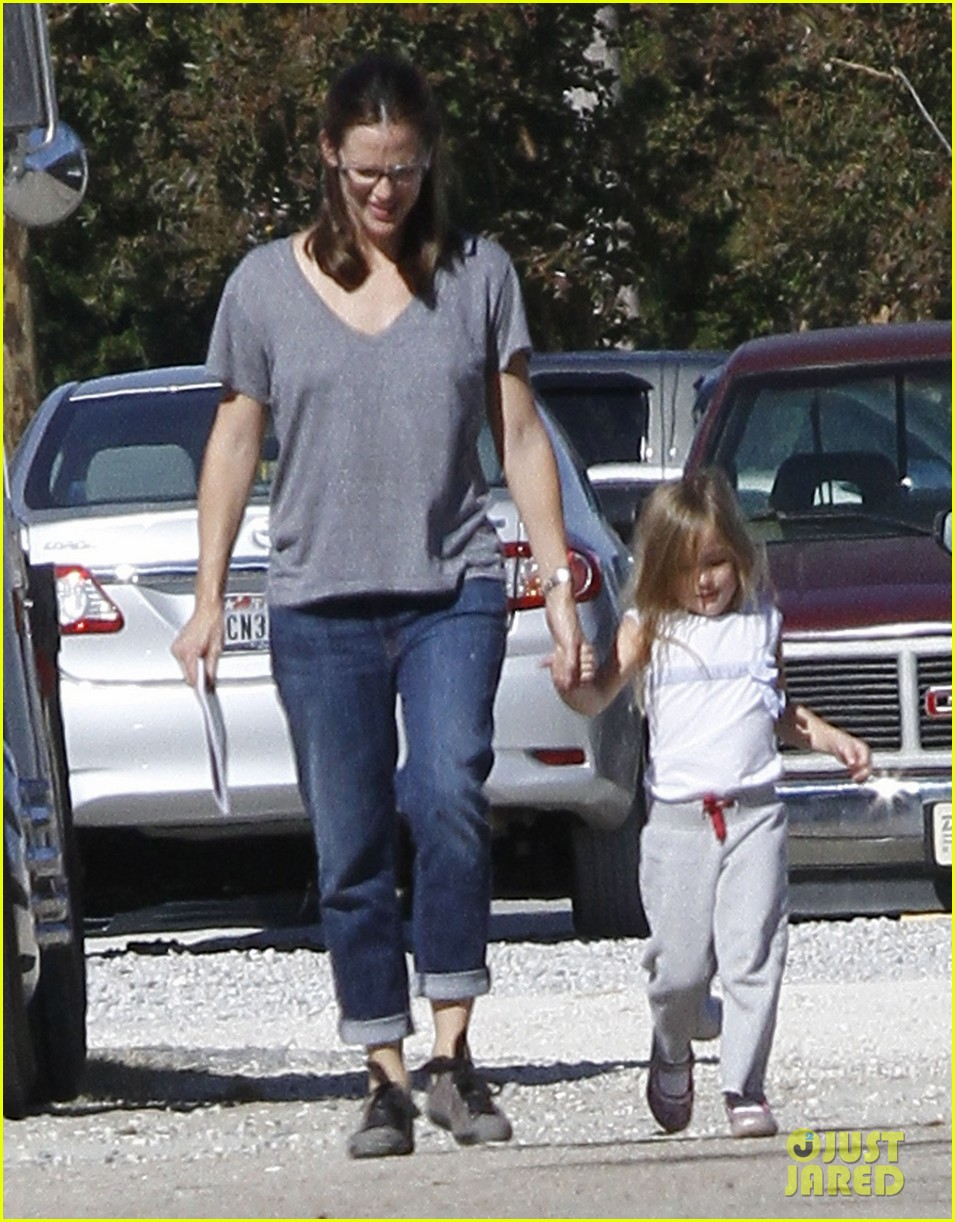 jennifer garner dallas buyers club break with seraphina samuel 132762040