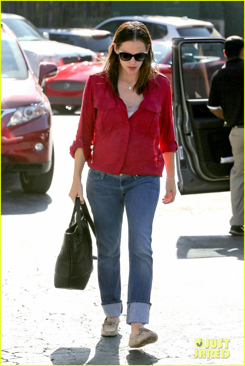 jennifer garner ben affleck family dinner in brentwood 17