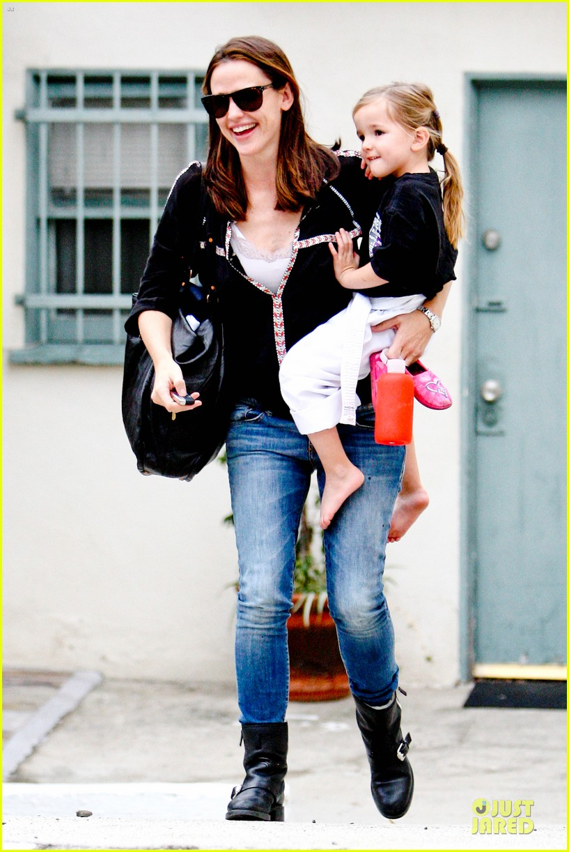 jennifer garner ben affleck kids karate class pick up 19