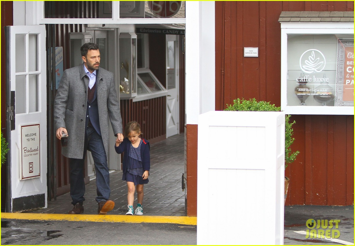 jennifer garner ben affleck separate coffee outings 08