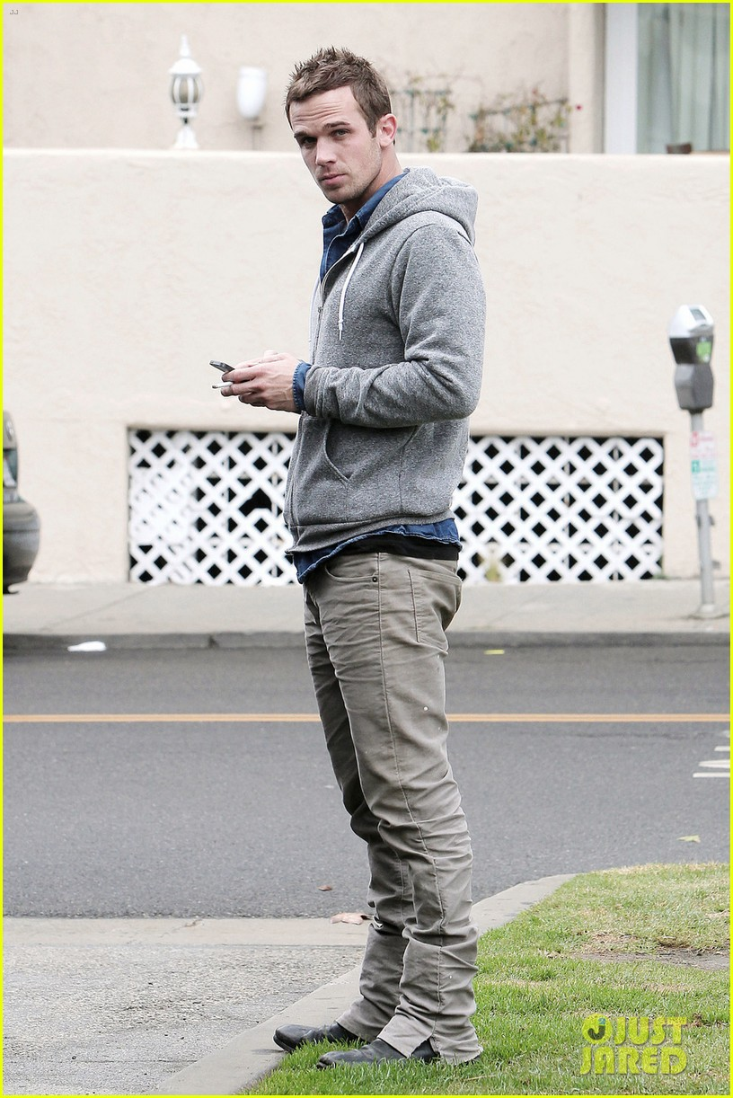 cam gigandet all smiles in santa monica 01