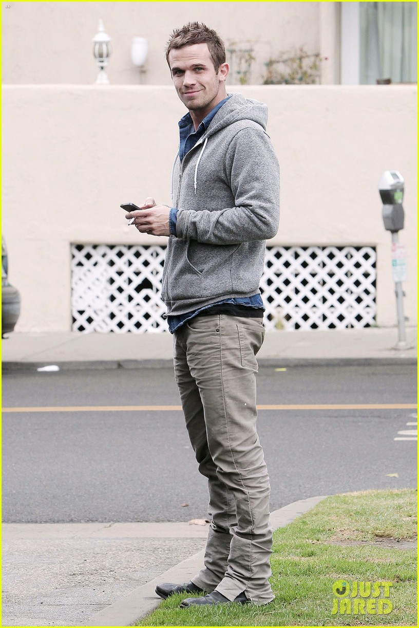 cam gigandet all smiles in santa monica 032760072