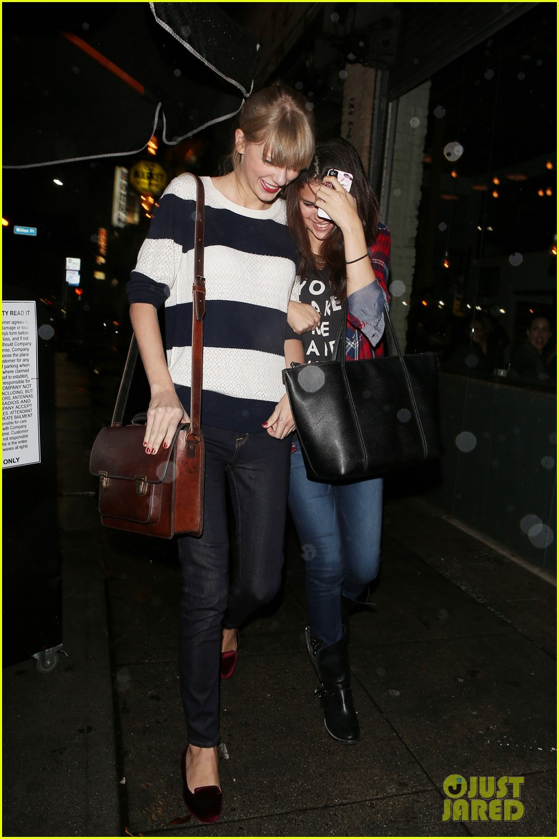 selena gomez taylor swift saturday night dinner duo 08