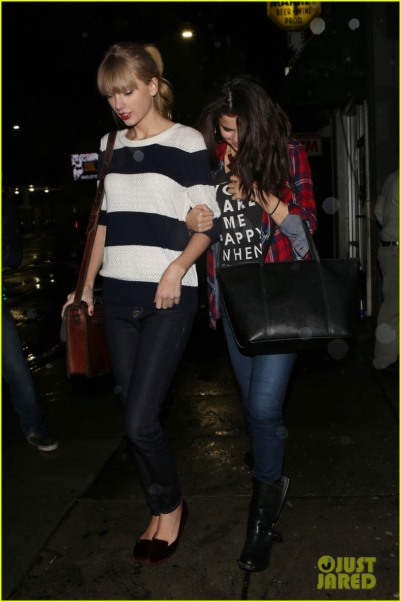 selena gomez taylor swift saturday night dinner duo 23