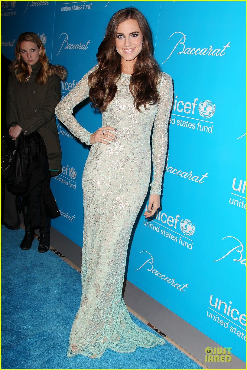 katy perry & selena gomez unicef snowflake ball 05