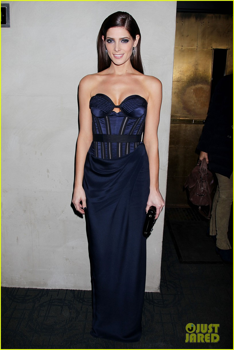 ashley greene kellan lutz breaking dawn nyc screening 18