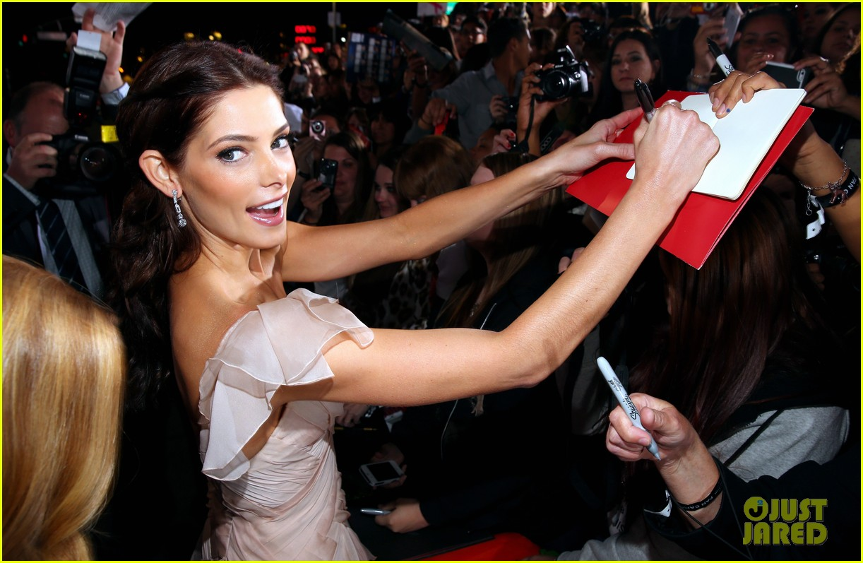 ashley greene twilight breaking dawn part 2 premiere 08