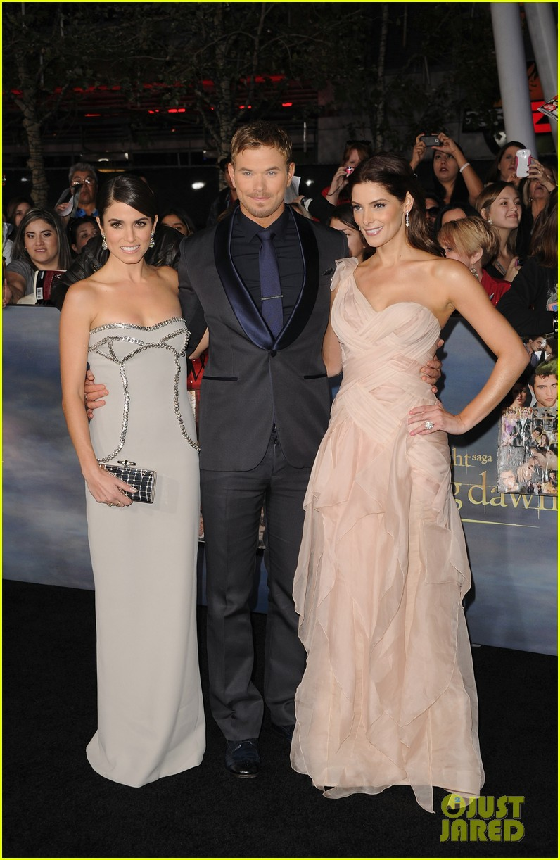 ashley greene twilight breaking dawn part 2 premiere 26