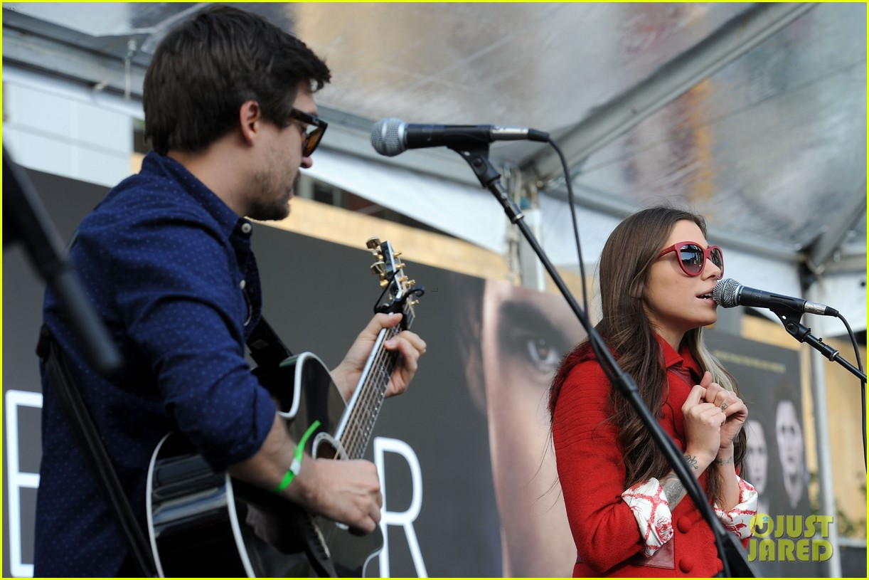 ashley greene nikki reed twilight fan camp concert 132755189