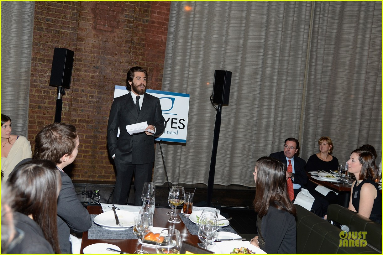jake gyllenhaal new eyes for the needy gala honoree 05