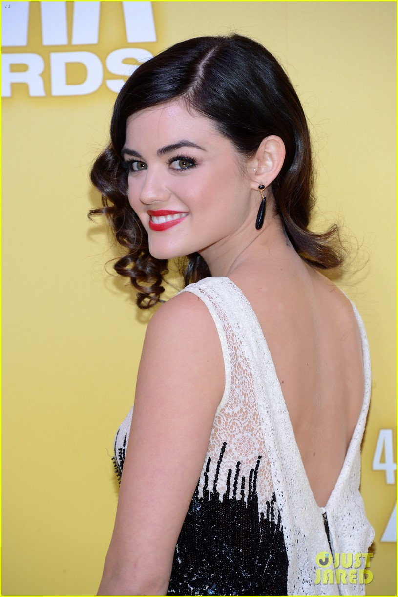 lucy hale cmas 2012 red carpet 05