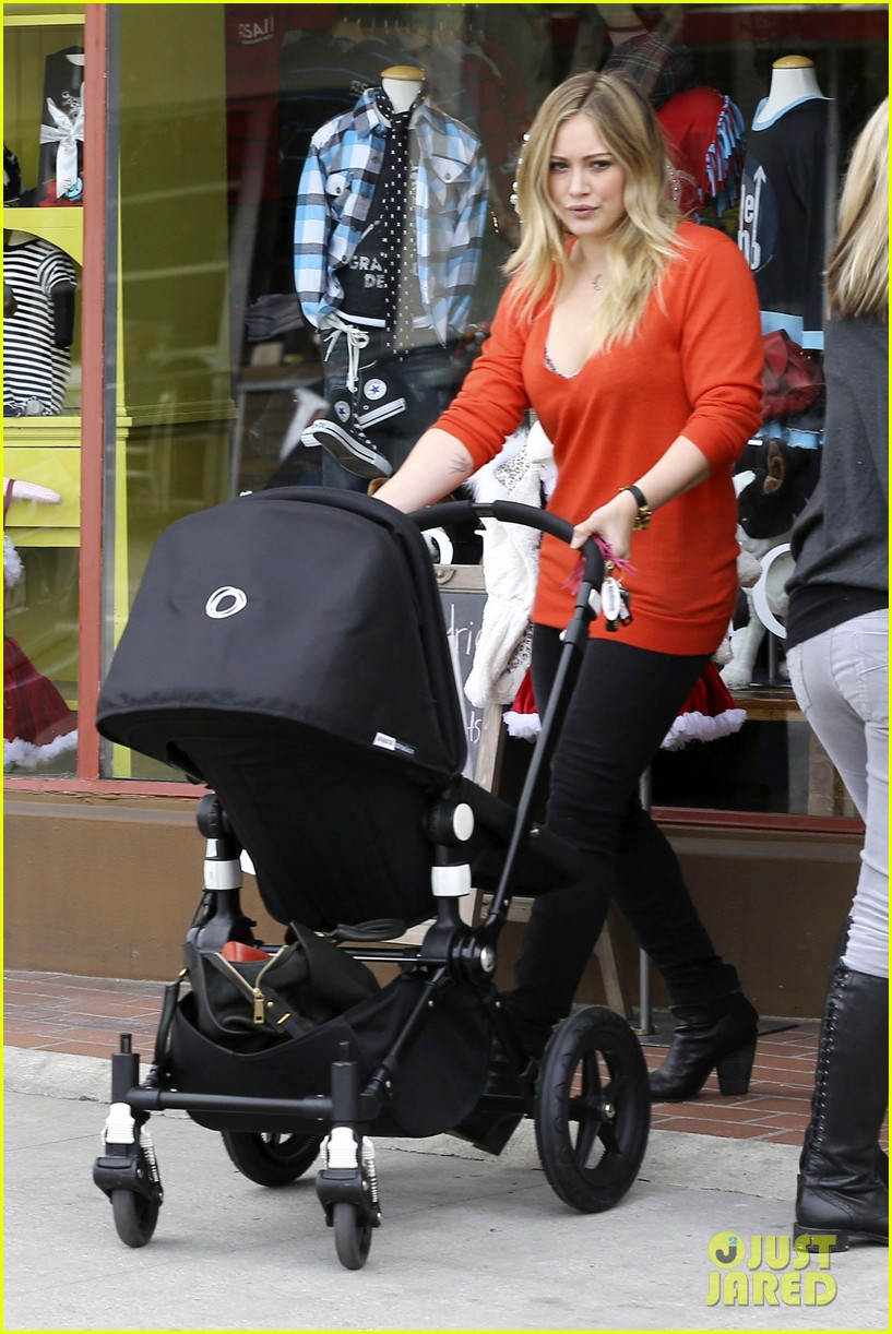 hilary duff its beginning to look like christmas 15