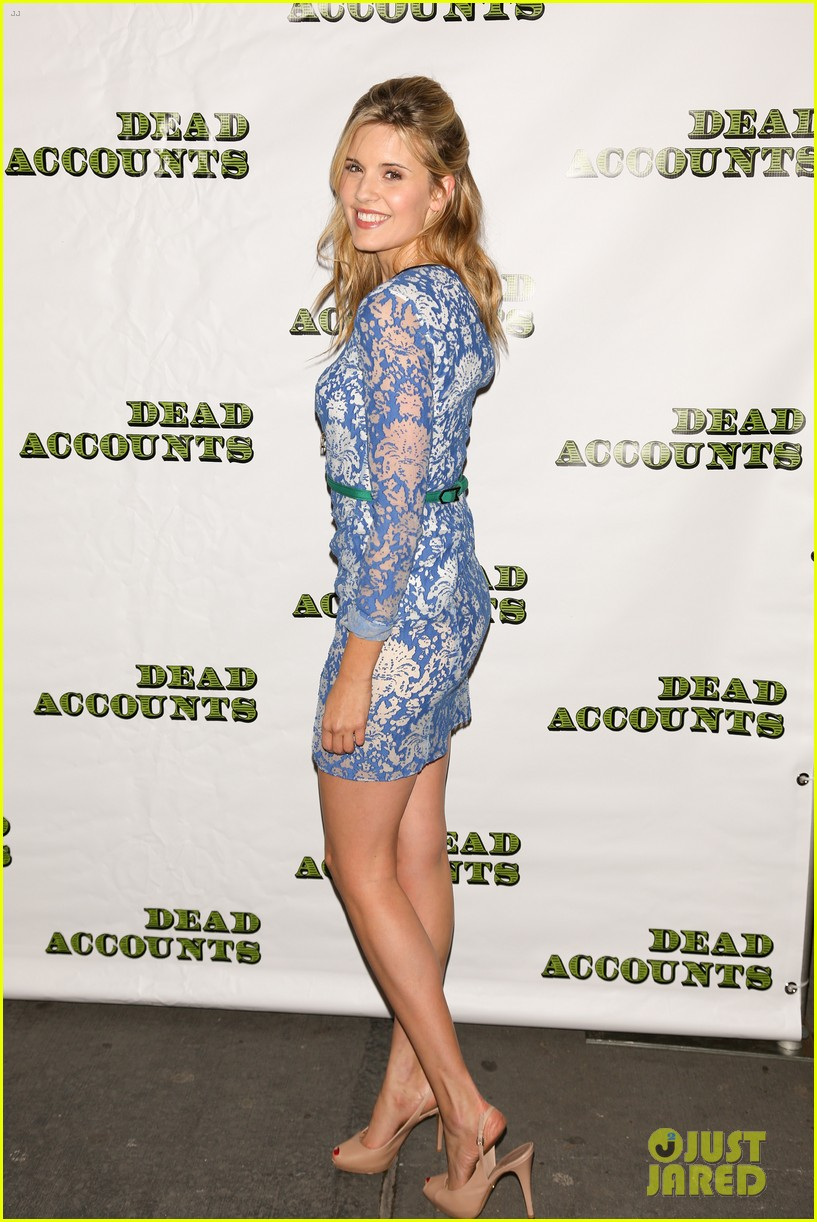 katie holmes dead accounts opening night on broadway 142766513