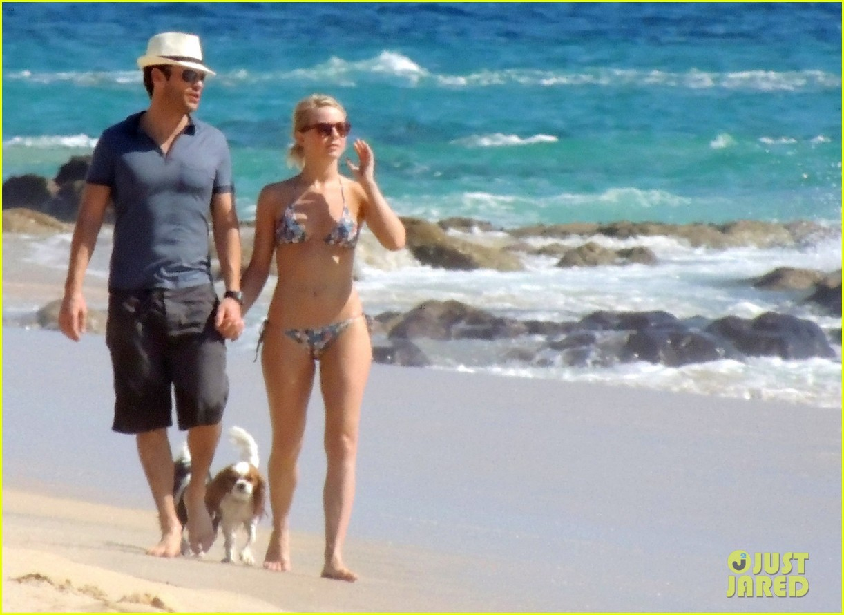 julianne hough bikini beach day ryan seacrest 12