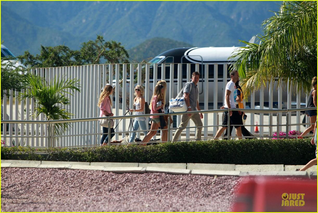 julianne hough ryan seacrest weekend vacation in mexico 062763288