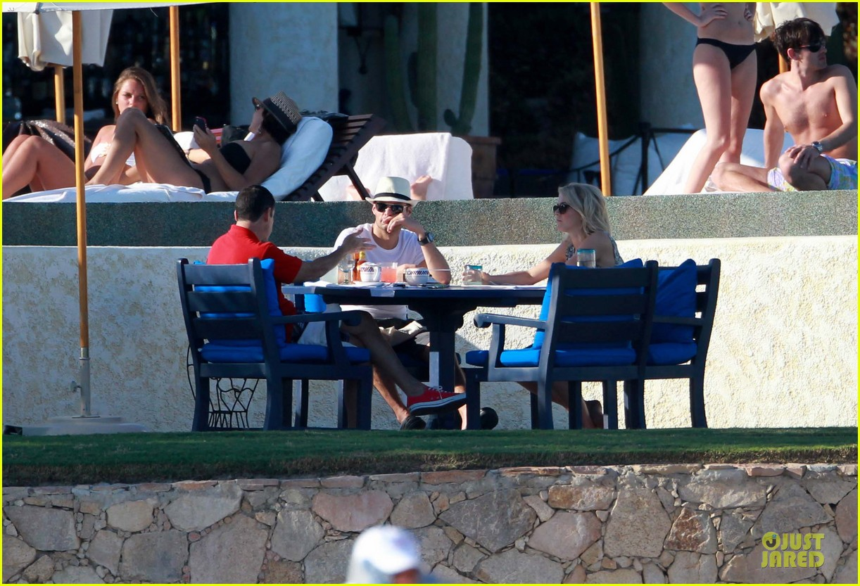 julianne hough ryan seacrest weekend vacation in mexico 112763293