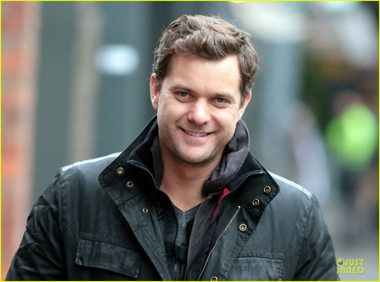 joshua jackson my fringe character abandons loved ones 08