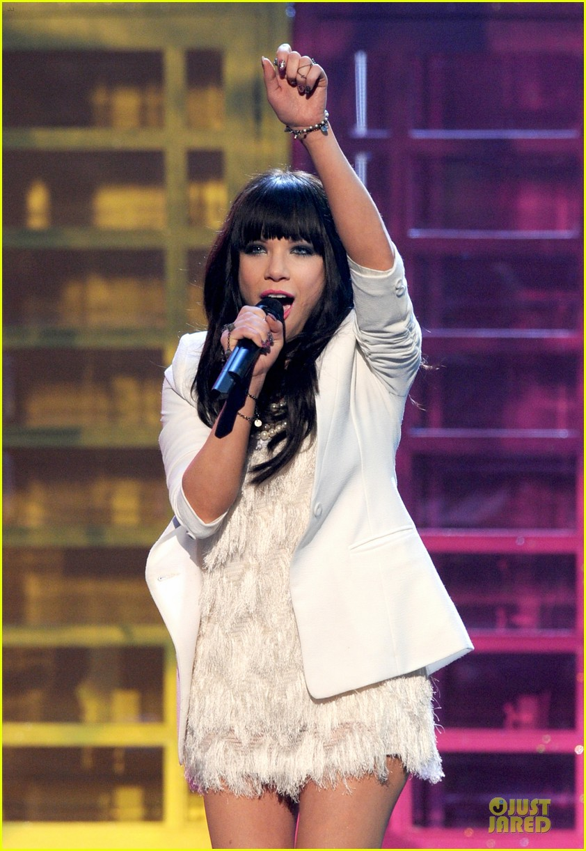 carly rae jepsen this kiss call me maybe amas performance 06