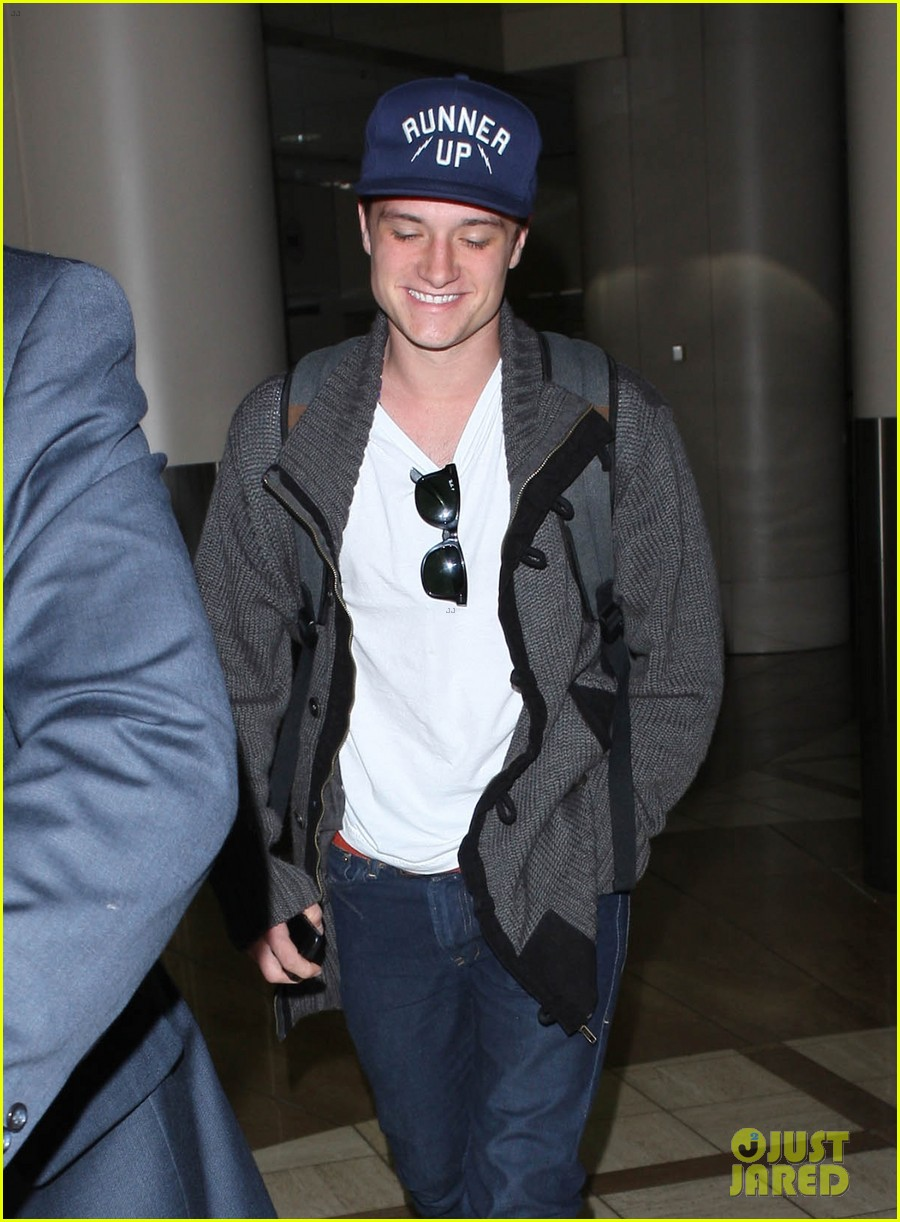 josh hutcherson back in la 01