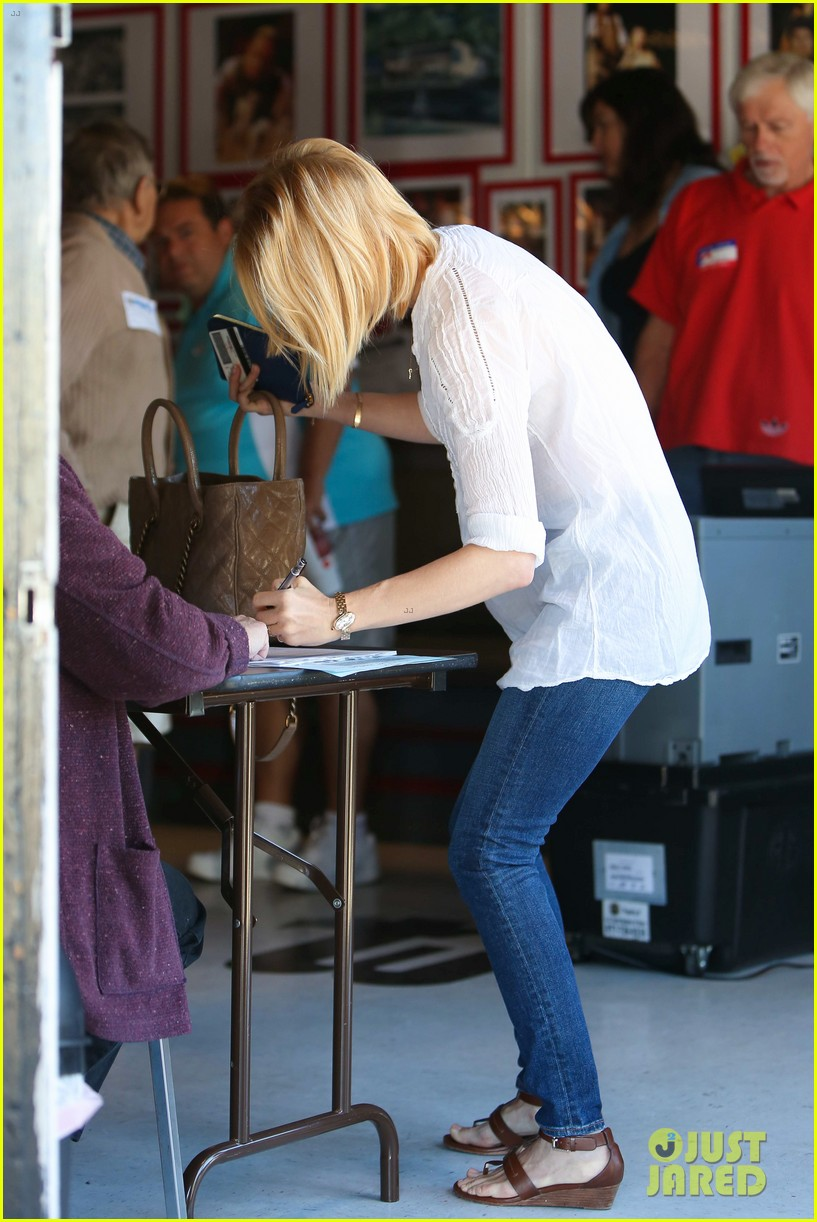 january jones election day voter 26