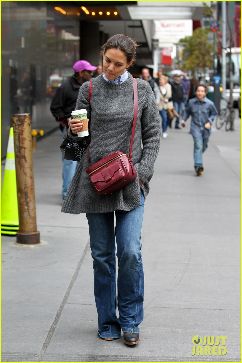 katie holmes really thrilled for dead accounts 022749484