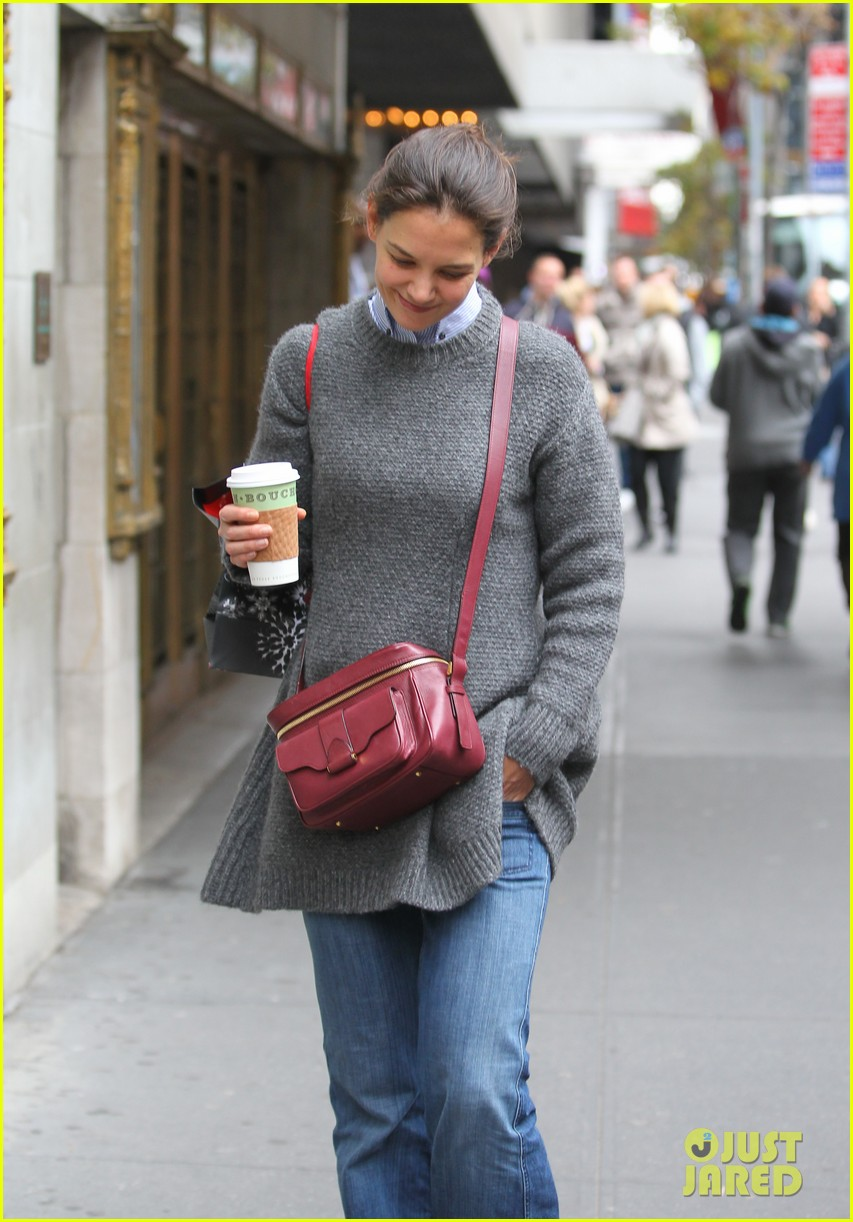 katie holmes really thrilled for dead accounts 03