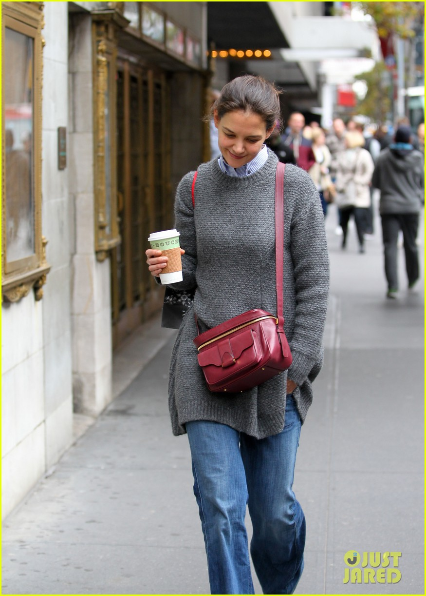 katie holmes really thrilled for dead accounts 052749487