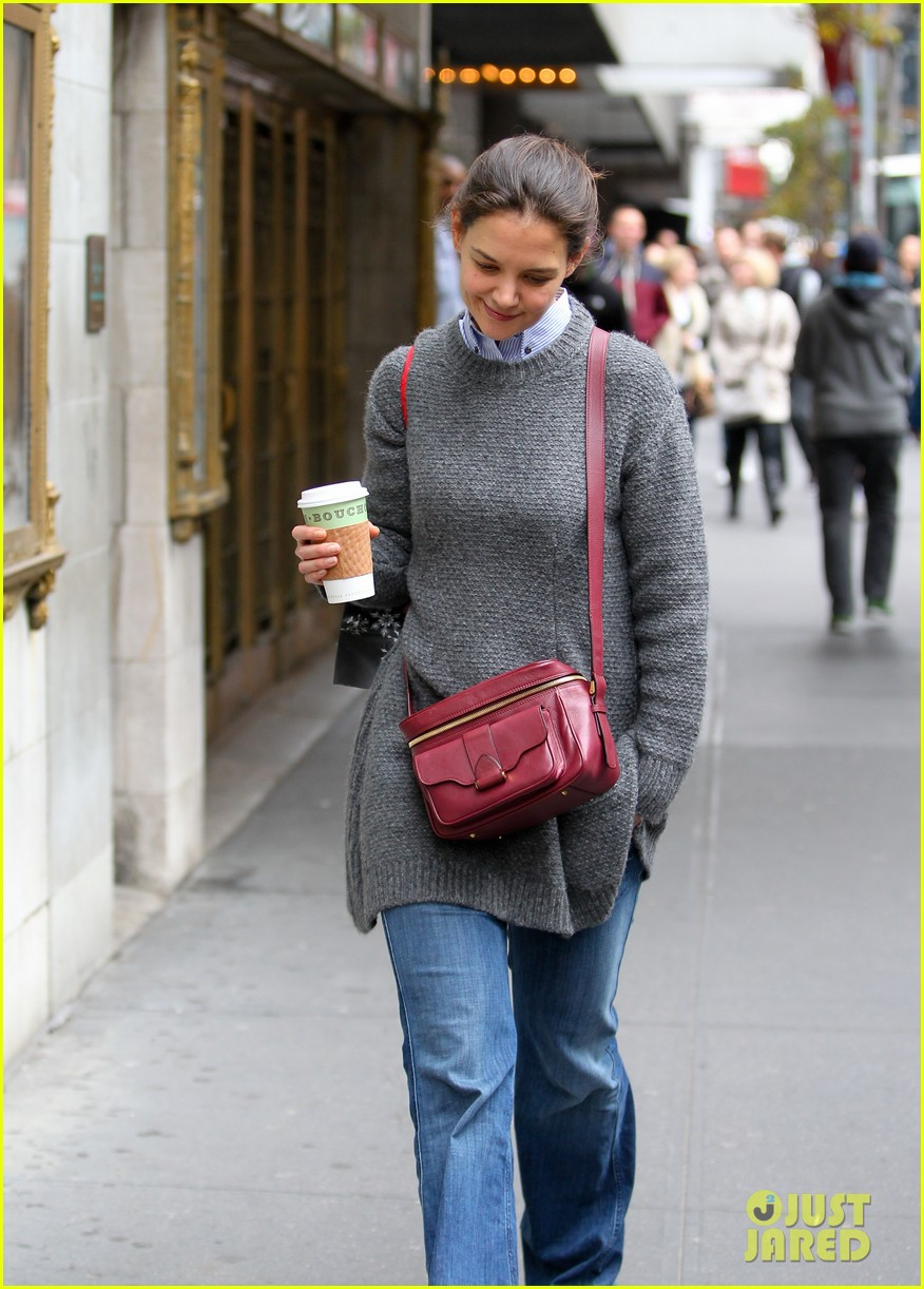 katie holmes really thrilled for dead accounts 14