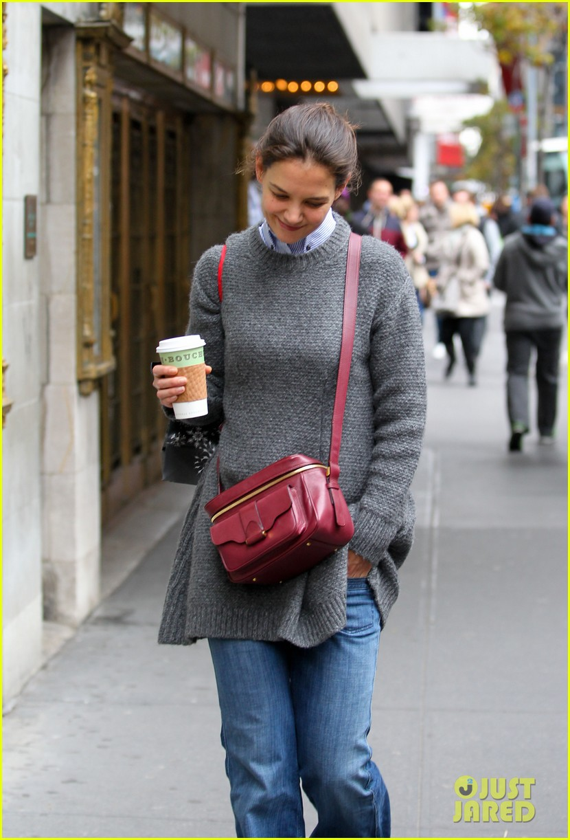 katie holmes really thrilled for dead accounts 15